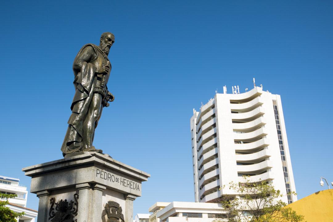 Monumento-Don-Pedro-de-Heredia