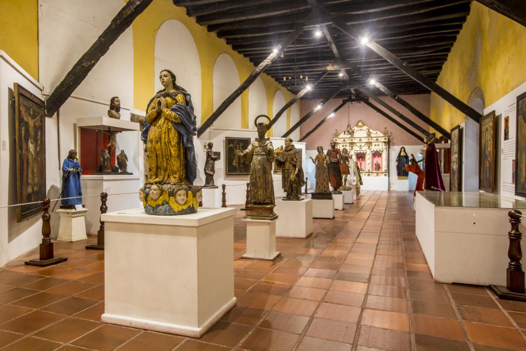 Monumentos-en-Museo-San-Pedro-Claver