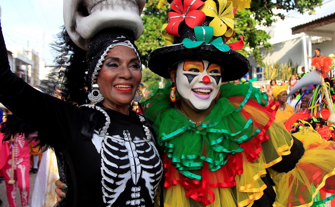 participantes de comparsa de las Fiestas de la Independencia de Cartagena 2019