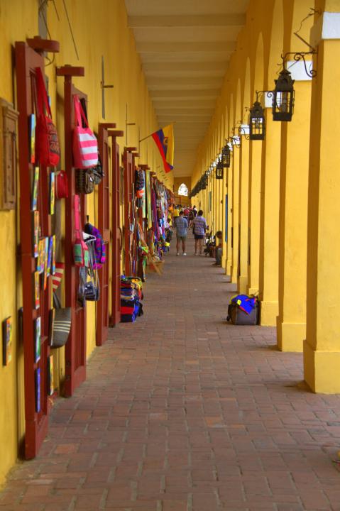 Las Bóvedas, Centro Histórico de Cartagena de Indias. Venta de artesanías y recuerdos