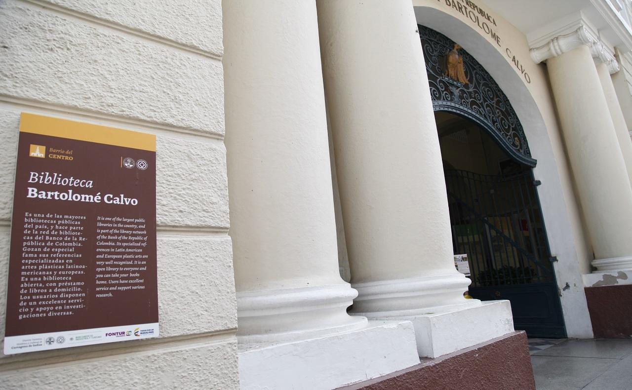 fachada de la biblioteca bartolomé calvo, imagen para ilustrar nota de agenda cultural cartagena
