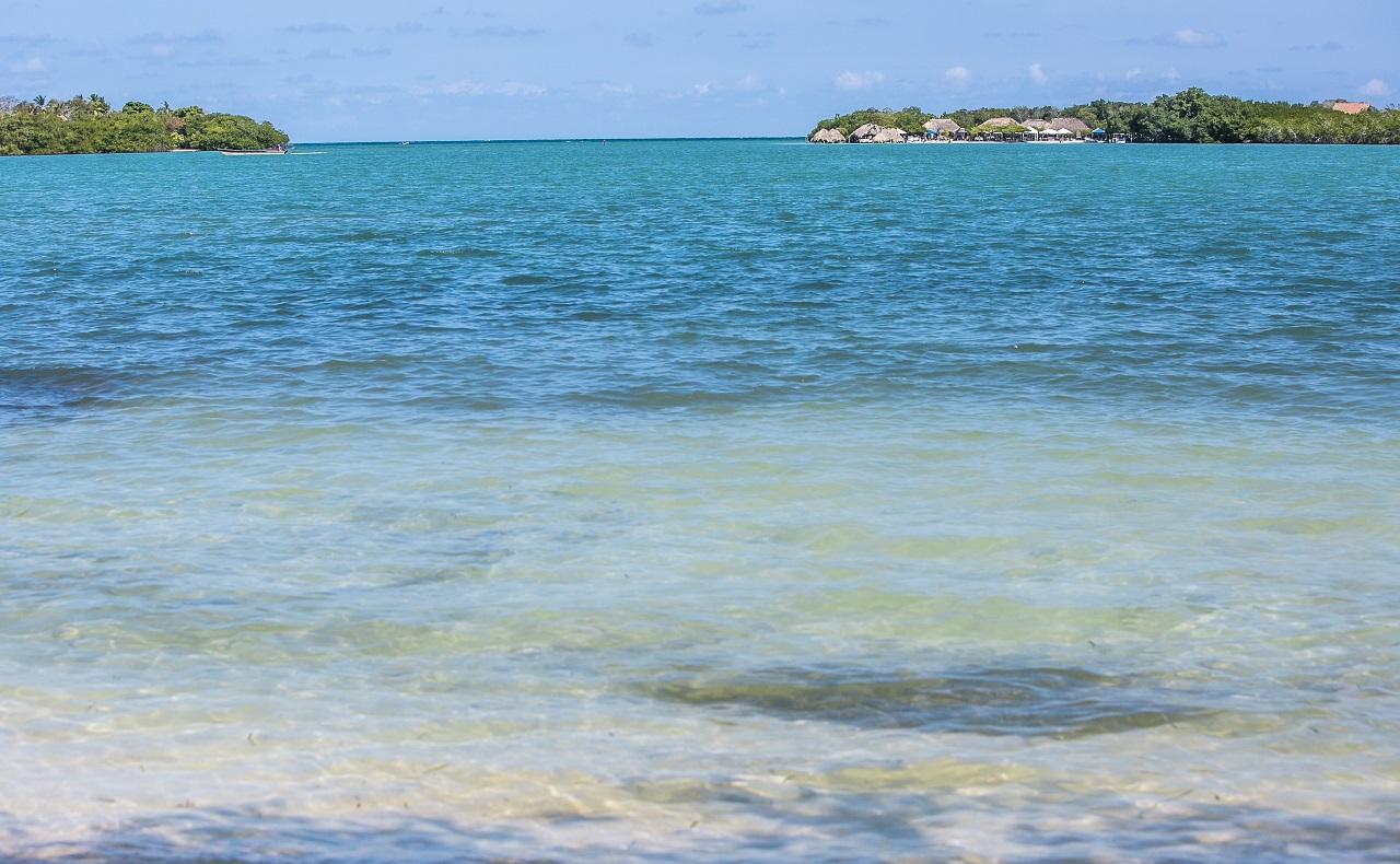 Playa de Cholón en las Islas del Rosario de Cartagena