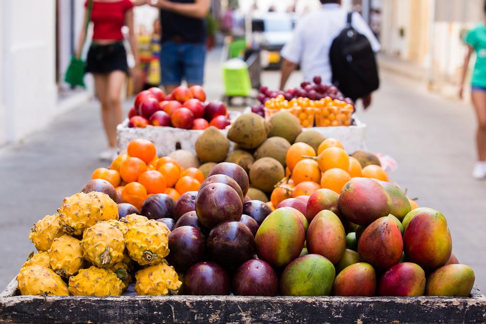 Puesto de venta de frutas en el Centro Histórico de Cartagena