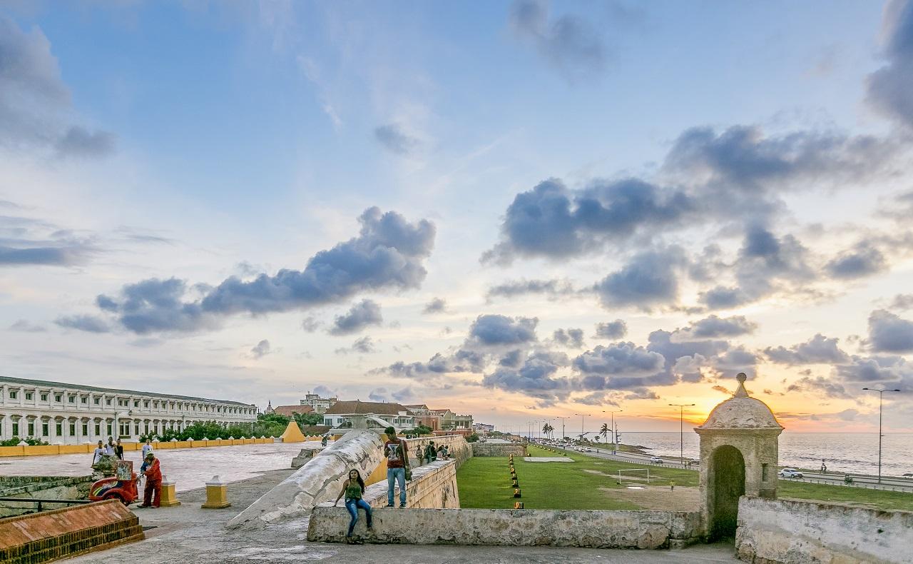 Atardecer en el sector de Las Bóvedas de Cartagena
