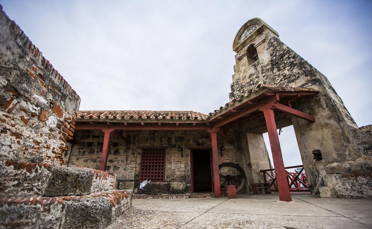 Castillo de San Felipe en Cartagena patio interior