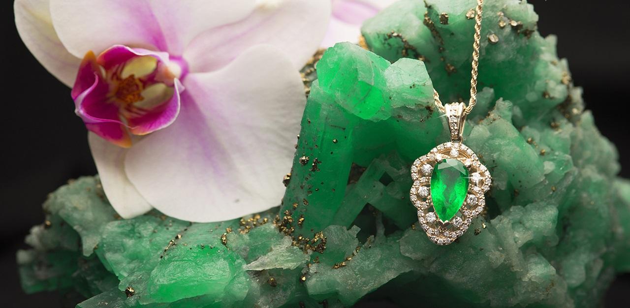 Collar con esmeralda de la joyería Caribe en Cartagena