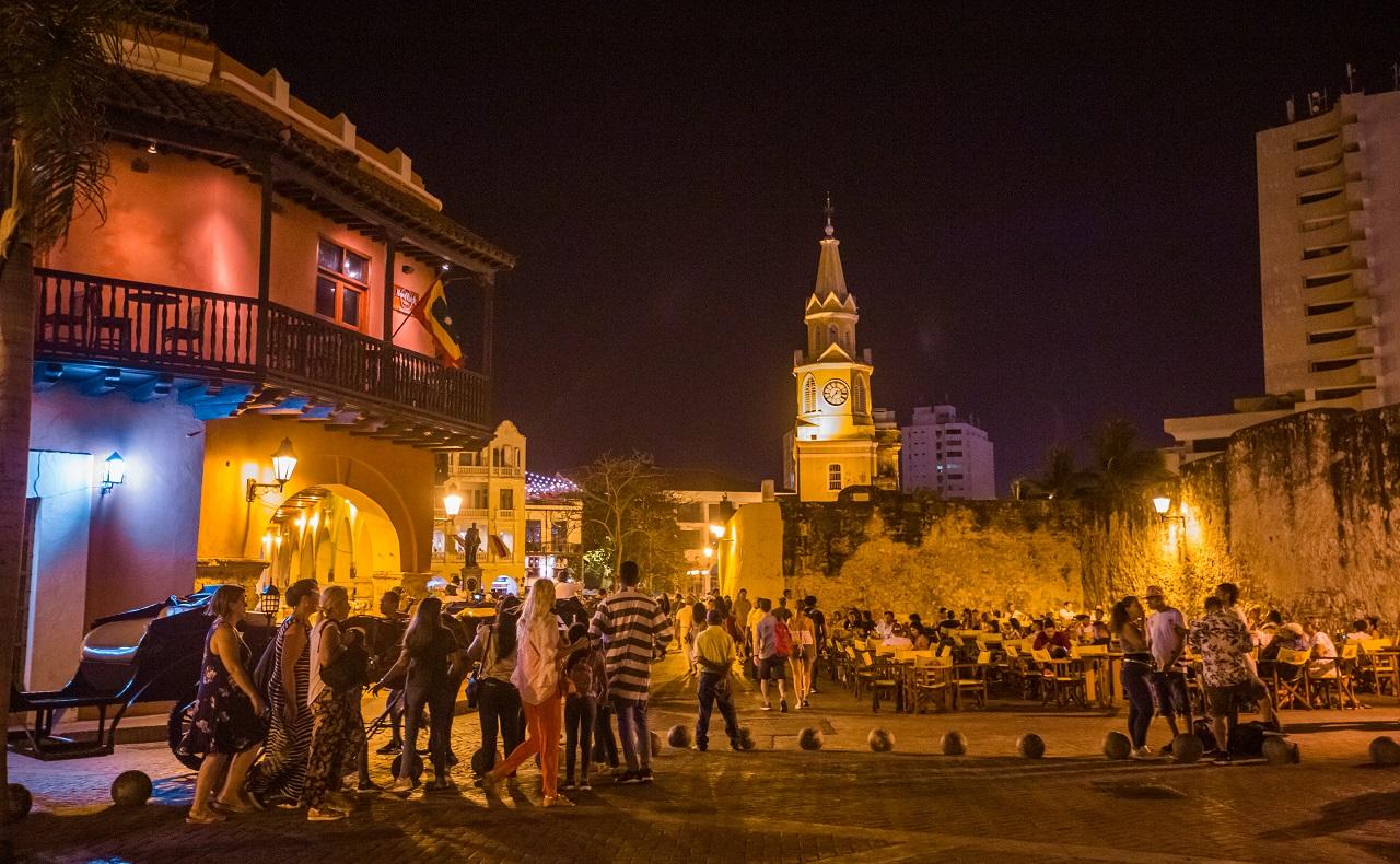 Esquina Plaza de los Coches con Plaza de la Aduana foto para ilustrar nota de zonas de rumba en Cartagena