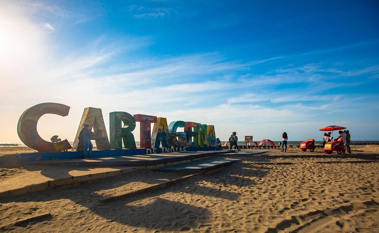 Aviso de Cartagena en playas de Marbella, imagen para ilustrar nota de Cartagena Principal Destino de Sudamérica 2019