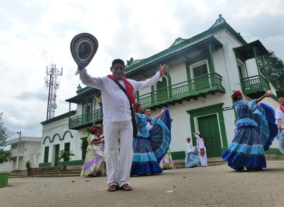 Presentación de los Gaiteros de San Jacinto en San Jacinto, Bolívar