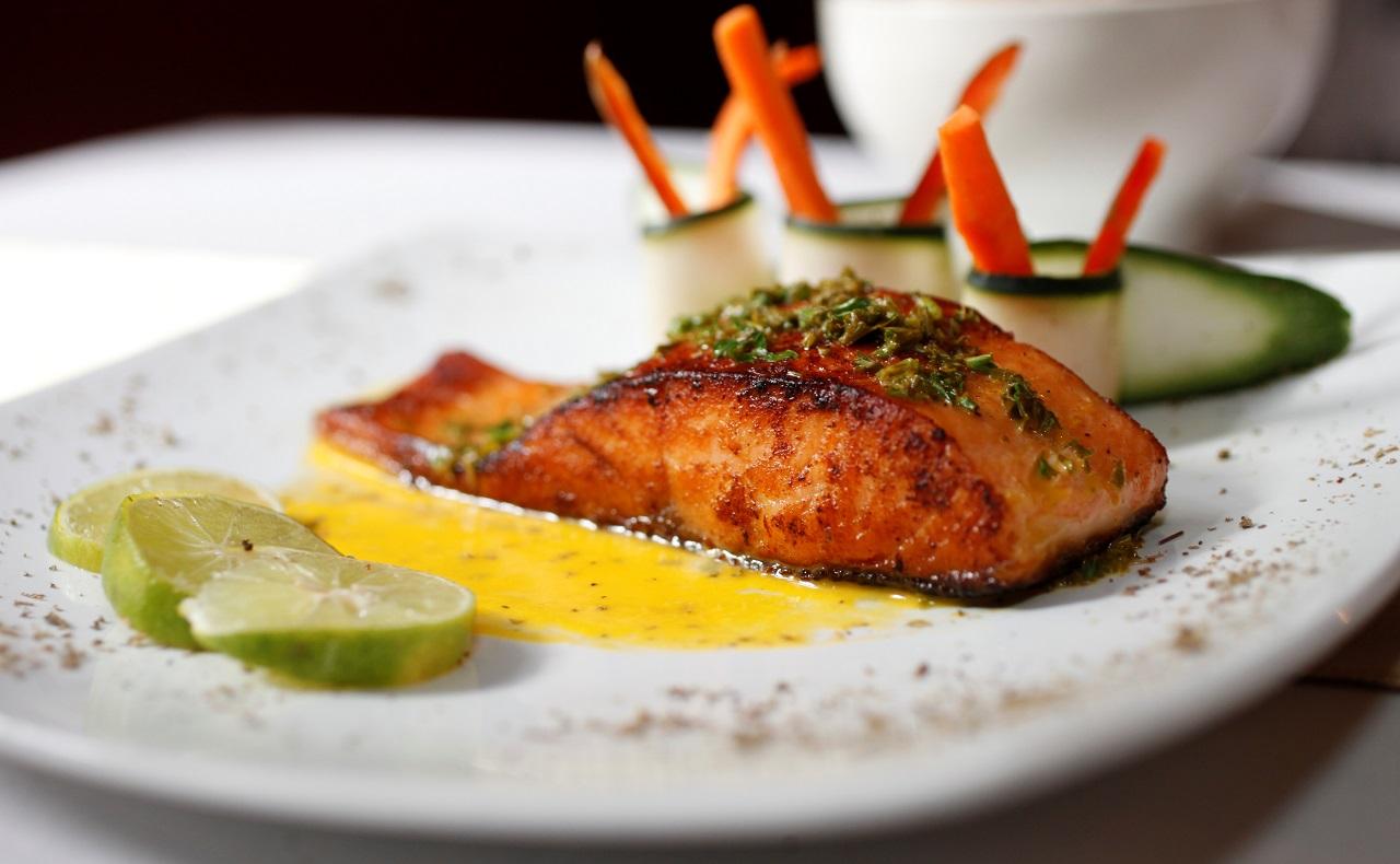 Menú gourmet en Fama Bar Fusión, restaurante de Casa de las Palmas Cartagena, imagen para ilustrar nota de restaurantes en Cartagena