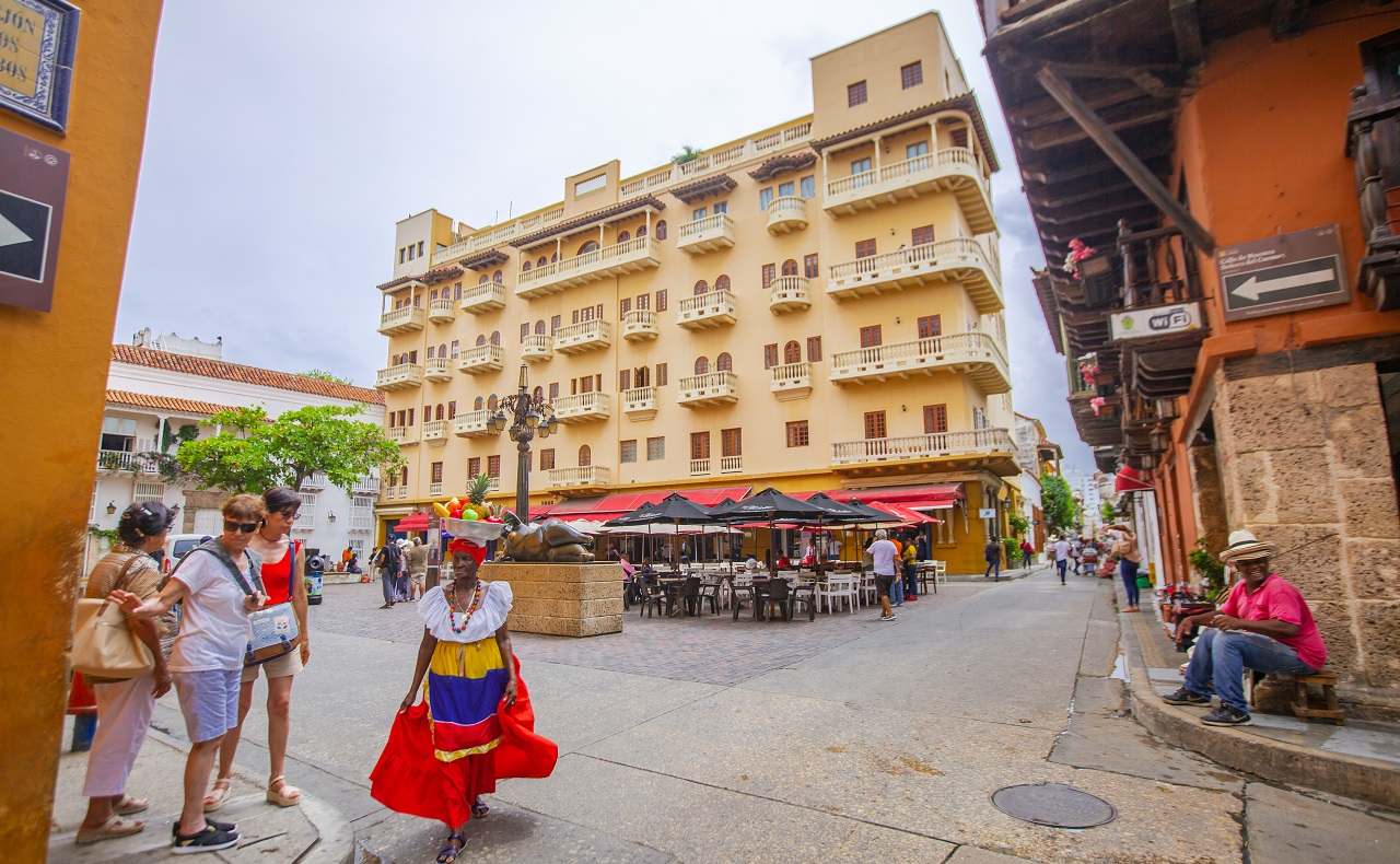 Esquina de la Plaza Santo Domingo, imagen para ilustrar nota sobre plazas de Cartagena