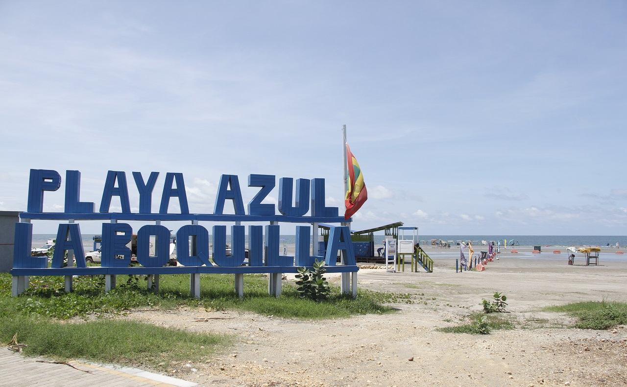 apertura de playas en Cartagena. Playa azul en La Boquilla