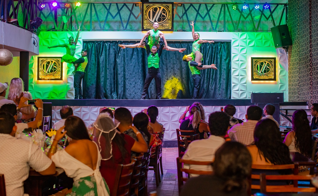Presentación de bailarines en 1968 Salsa Show, imagen para ilustrar nota de shows en vivo en Cartagena