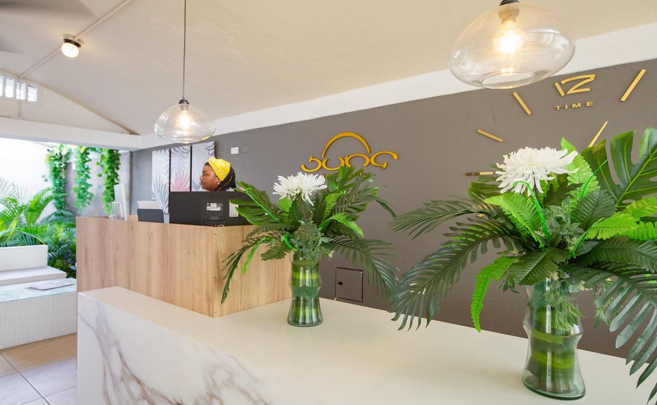 Recepción del Hotel Boutique Juna, imagen para ilustrar nota de hoteles en Cartagena