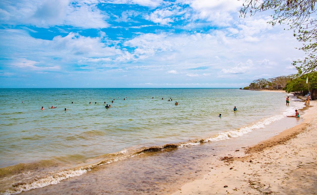 playa privada en las Islas del Rosario en Cartagena de Indias