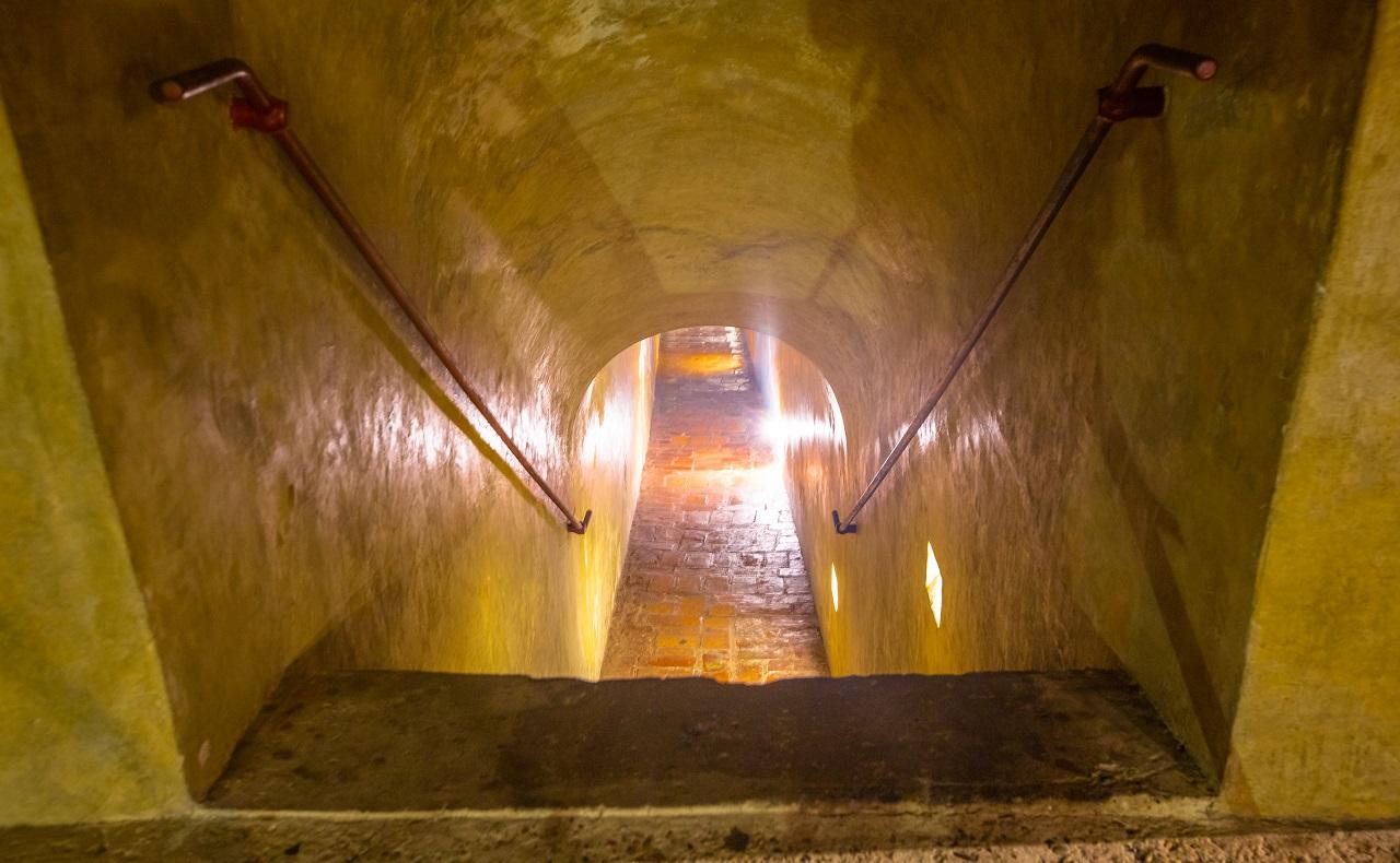 Ingreso a uno de los túneles del Castillo de San Felipe en Cartagena de Indias