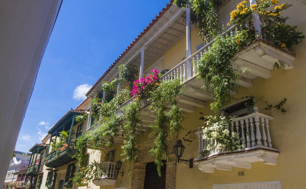 casas coloniales en el centro histórico, imagen para ilustrar nota de pandemia en Cartagena de Indias