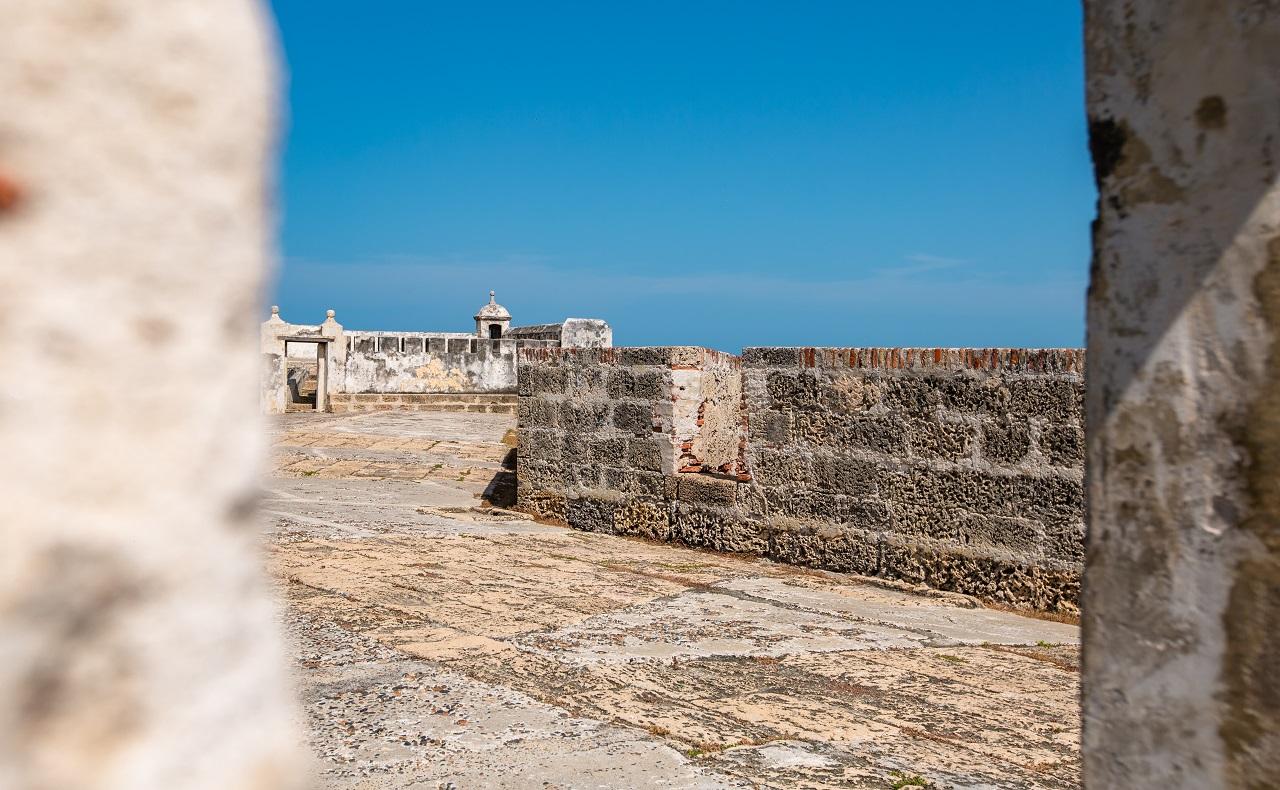 muralla de cartagena, sector la tenaza, imagen para ilustrar nota de covid-19 en cartagena